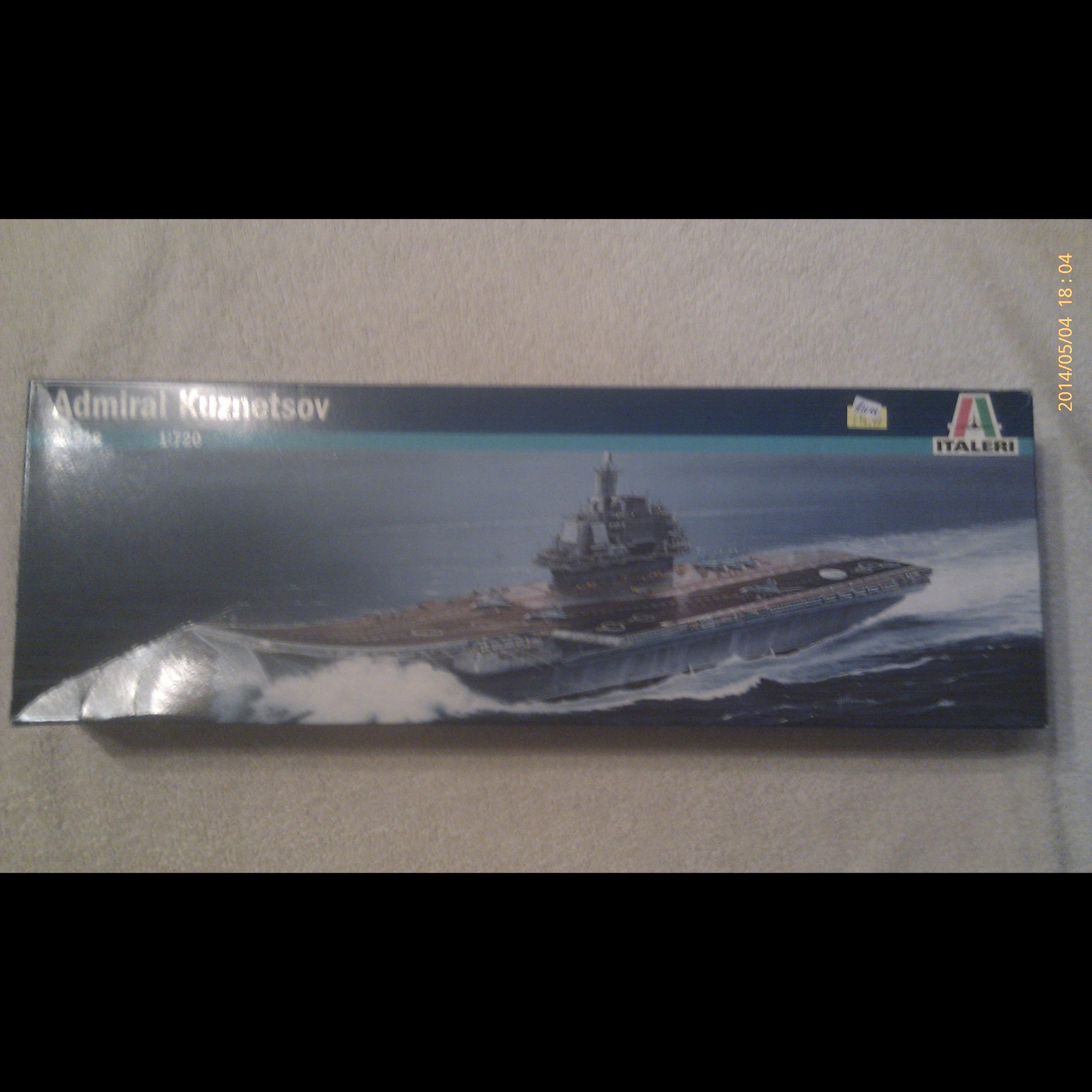1:720 Scale - Admiral Kuznetsov Aircraft Carrier