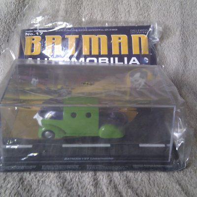 Batman Automobilia 17 - Batman #37 JokerMobile