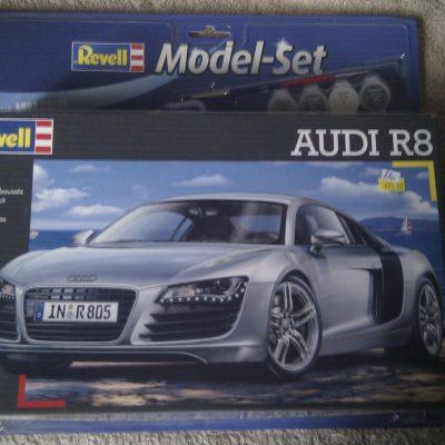Audi R8 1:24 Revell Model Set