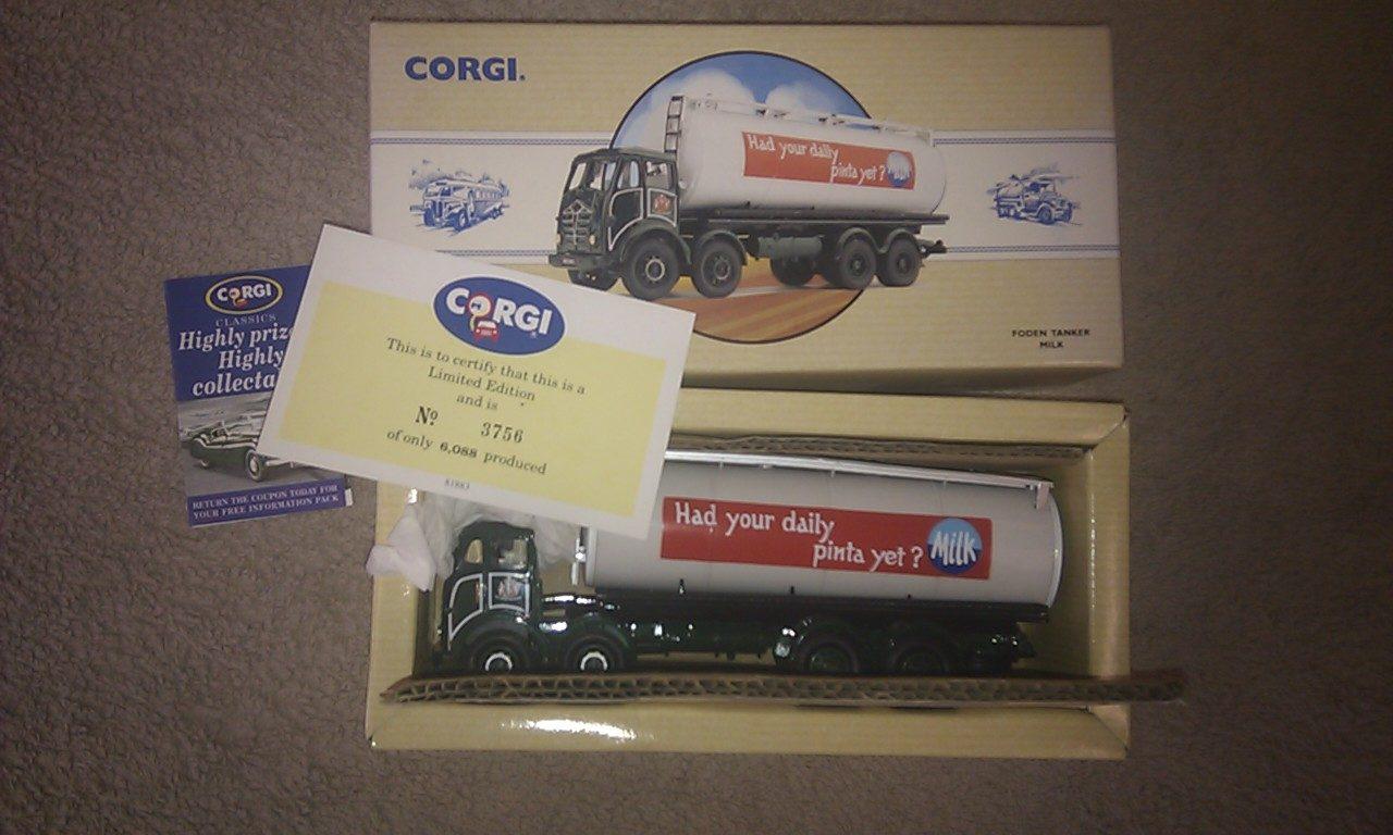Corgi 97951 Foden Milk Tanker